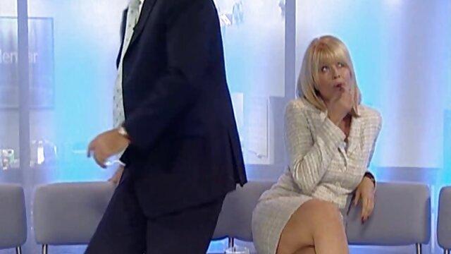 彼女の目の前にロシアの夫愛好家 アダルト 動画 女性 用