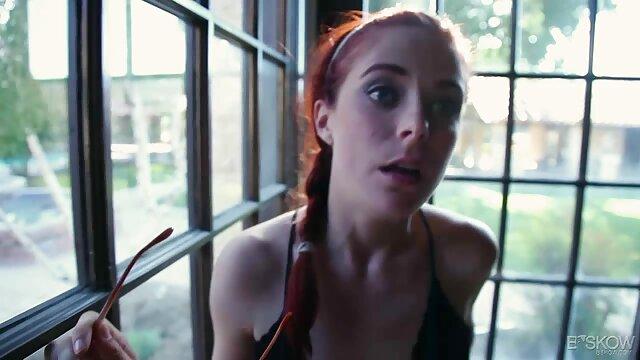 音楽レッスンの代わりに、レッスンを手配する 女性 むけ 無料 エロ 動画